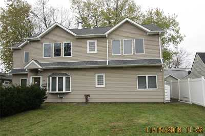 Levittown Single Family Home For Sale: 44 Furrow Ln