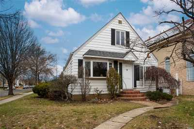 New Hyde Park Single Family Home For Sale: 269-03 81st Ave