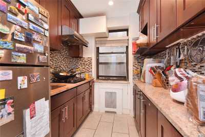 Flushing Condo/Townhouse For Sale: 29-14 139th St #4C