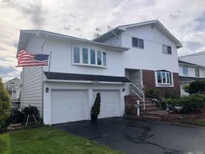 Single Family Home For Sale: 2896 Bay Dr