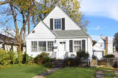 Floral Park Single Family Home For Sale: 82-35 263rd Street