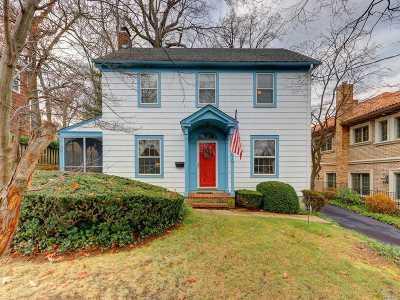 Little Neck Single Family Home For Sale: 49-24 Annadale Ln