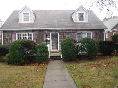 Floral Park Single Family Home For Sale: 93 Gilmore Blvd
