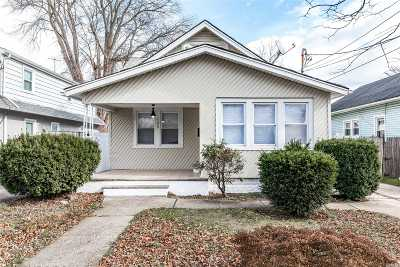 Freeport Single Family Home For Sale: 185 Moody Ave
