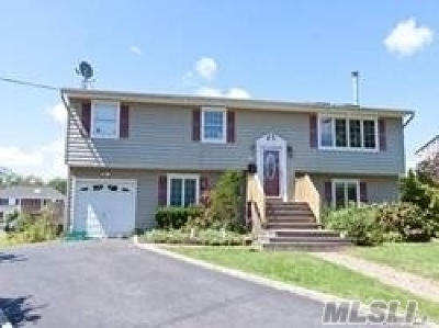 Islip Single Family Home For Sale: 32 Cullen Ave
