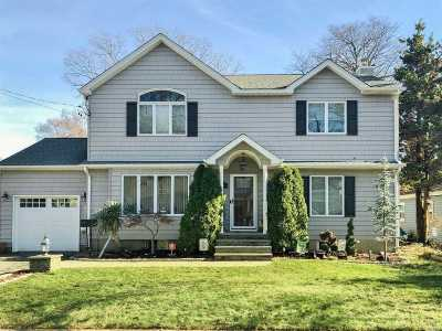 Massapequa Park Single Family Home For Sale: 125 Charles Ave