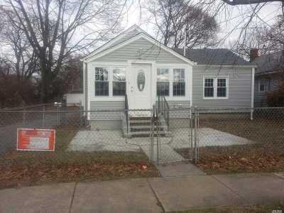 Roosevelt Single Family Home For Sale: 7 Brooks Ave