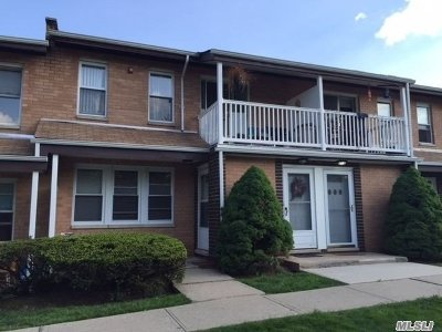 Middle Island Condo/Townhouse For Sale: 190 Artist Lake Dr