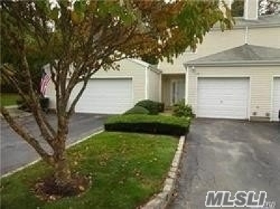 Manorville Condo/Townhouse For Sale: 115 Owls Nest Ct