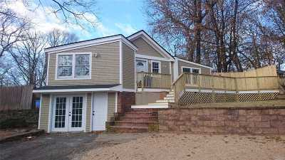 Sound Beach Single Family Home For Sale: 81 Pinelawn Rd