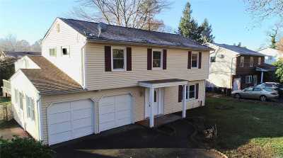 Commack Single Family Home For Sale: 30 Parkway S Dr