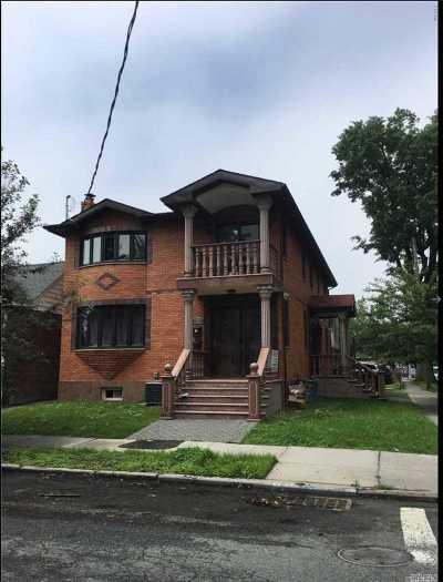 Flushing Multi Family Home For Sale: 42-02 193rd St