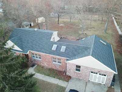 Islip Single Family Home For Sale: 327 Seacliff St