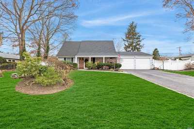 Stony Brook Single Family Home For Sale: 16 Barnwell Ln