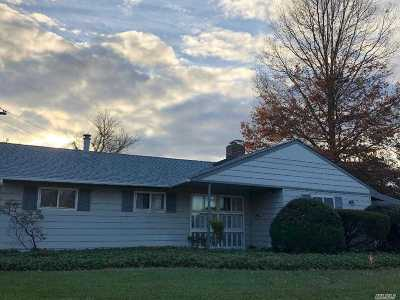 Syosset Single Family Home For Sale: 2 Virginia Rd