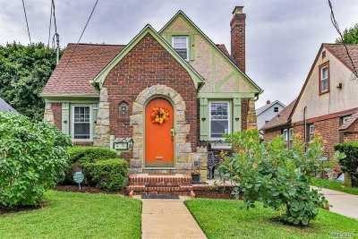 Rockville Centre Single Family Home For Sale: 67 N Oceanside Rd