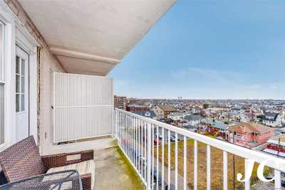Long Beach NY Co-op For Sale: $399,000
