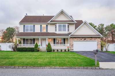 Medford Single Family Home For Sale: 30 Audobon St