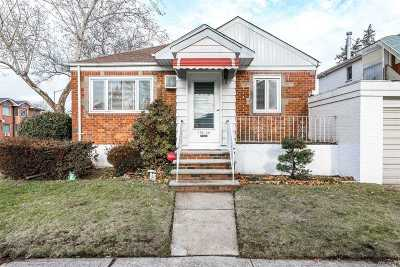 Fresh Meadows Single Family Home For Sale: 196-29 49th Ave