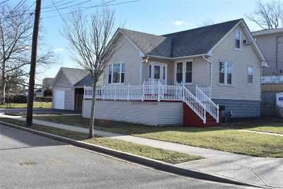 Freeport Single Family Home For Sale: 337 Miller Ave