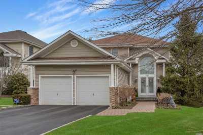 Smithtown Single Family Home For Sale: 99 Redan Dr