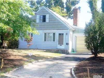Great Neck Single Family Home For Sale: 15 Orchard St