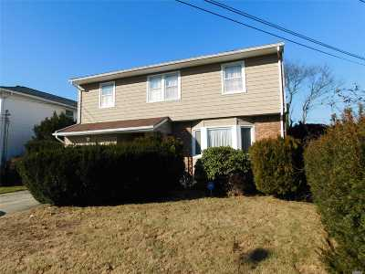 Hempstead Single Family Home For Sale: 59 Kensington Ct