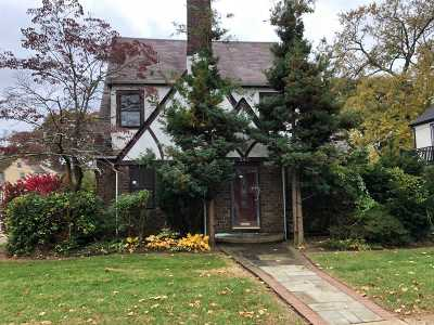 Baldwin Single Family Home For Sale: 540 Stanton Ave