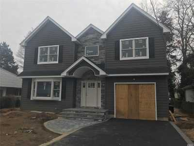 Massapequa Single Family Home For Sale: 70 Connecticut Ave