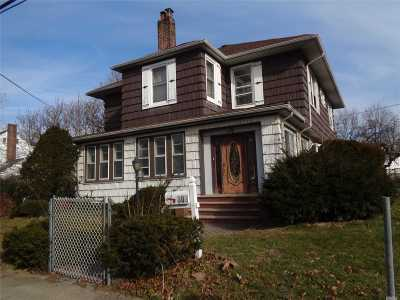 Woodmere Single Family Home For Sale: 302 Eastwood Rd