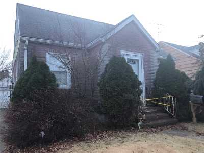Franklin Square Single Family Home For Sale: 947 Adams Ave