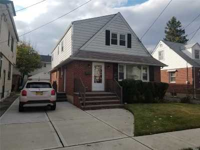 New Hyde Park Single Family Home For Sale: 105 N 10th St
