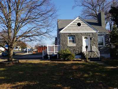 Roosevelt Single Family Home For Sale: 338 Brookside Ave