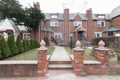 Jamaica Single Family Home For Sale: 116-34 Lovingham Pl