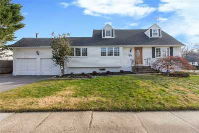 Smithtown Single Family Home For Sale: 105 Lawrence Ave