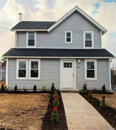 Patchogue Single Family Home For Sale: 34 Washington Ave