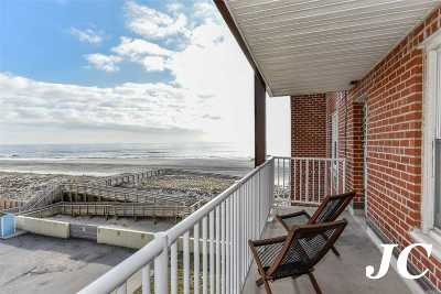 Long Beach Condo/Townhouse For Sale: 666 Shore Rd #3D