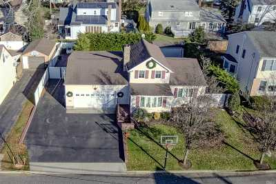 Bellmore Single Family Home For Sale: 2013 Charles St