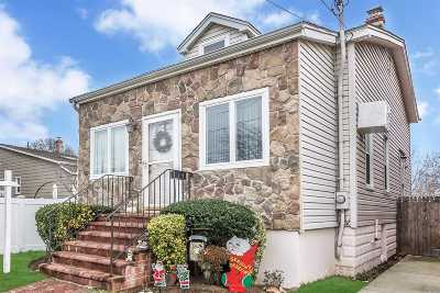 Valley Stream Single Family Home For Sale: 103 Newbold Ave