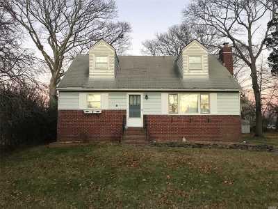Center Moriches Single Family Home For Sale: 23 Mallard Dr