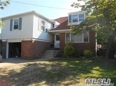 Woodmere Single Family Home For Sale: 230 Franklin Pl