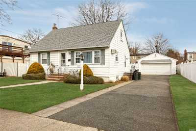East Meadow Single Family Home For Sale: 2233 6th St