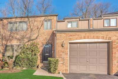 Nassau County Condo/Townhouse For Sale: 29 Windsor Gate Dr