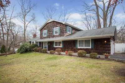 Stony Brook Single Family Home For Sale: 16 Blinkerlight Rd