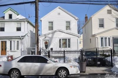 Jamaica Single Family Home For Sale: 90-25 201st St