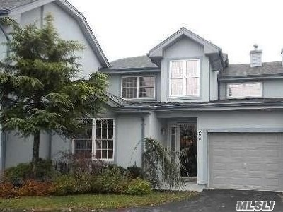 Melville Condo/Townhouse For Sale: 590 Bardini Dr