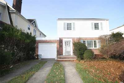 Flushing Single Family Home For Sale: 33-10 166th St