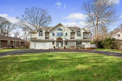 Smithtown Single Family Home For Sale: 28 Pineacre Dr