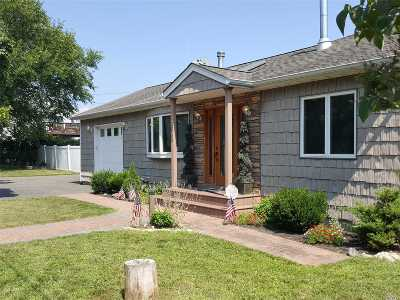Seaford Single Family Home For Sale: 2802 Island Channel Rd