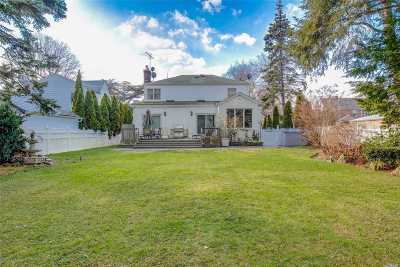 Bayside NY Single Family Home For Sale: $1,450,000